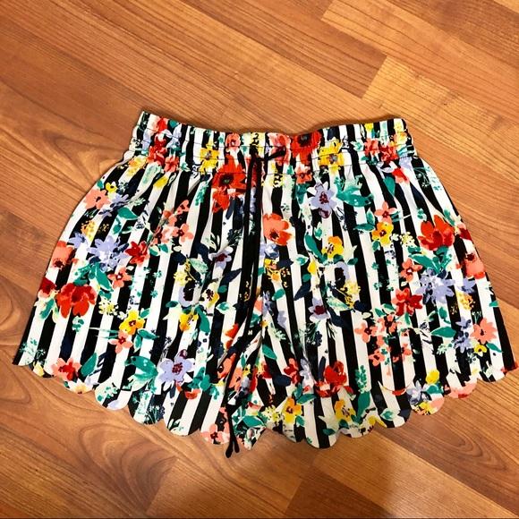 Gilligan & O'Malley Pants - Gilligan & O'Malley Floral Shorts